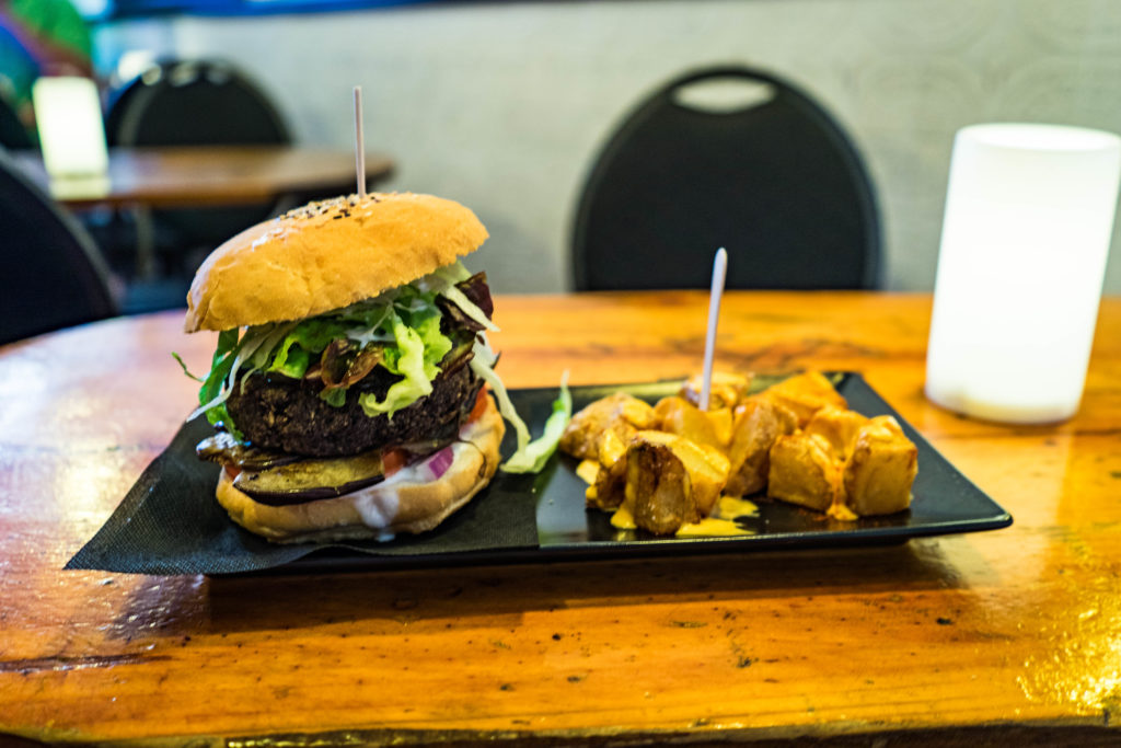 Black cat burger, vegan CatBar, Barcelona