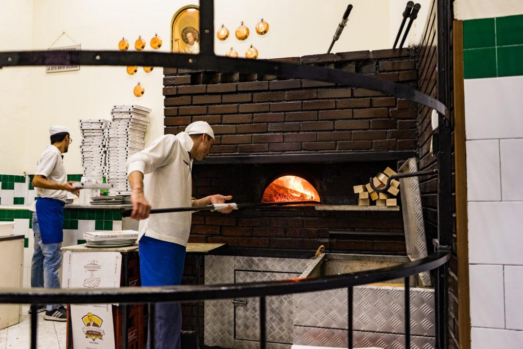 L'Antica Pizzeria da Michele, Naples