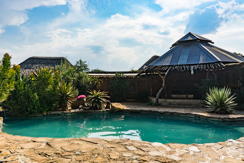 The Northern Drakensberg, Amphitheatre Backpackers Lodge